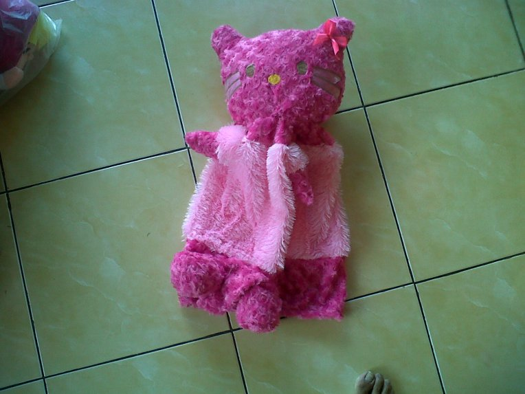 Sarung Galon Boneka Hello Kitty Pink-Ungu
